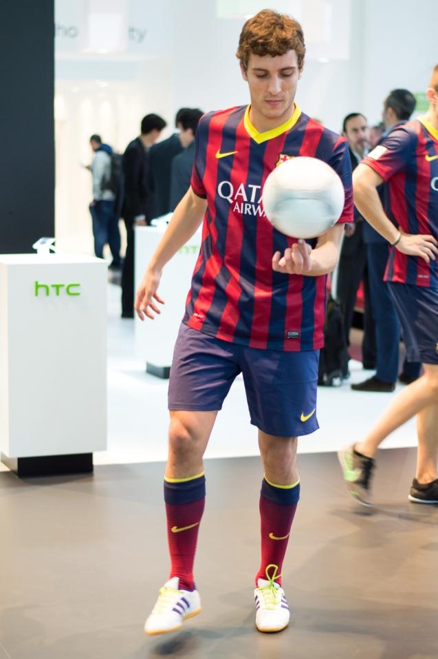 Soccer-tricks-MWC-2014-2
