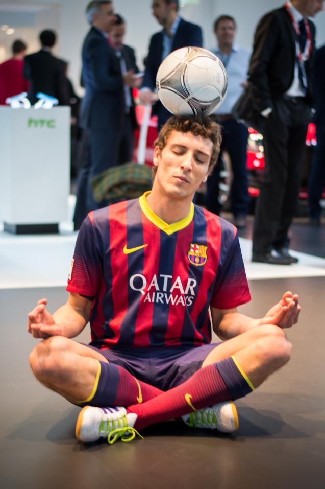 Soccer-tricks-MWC-2014-5