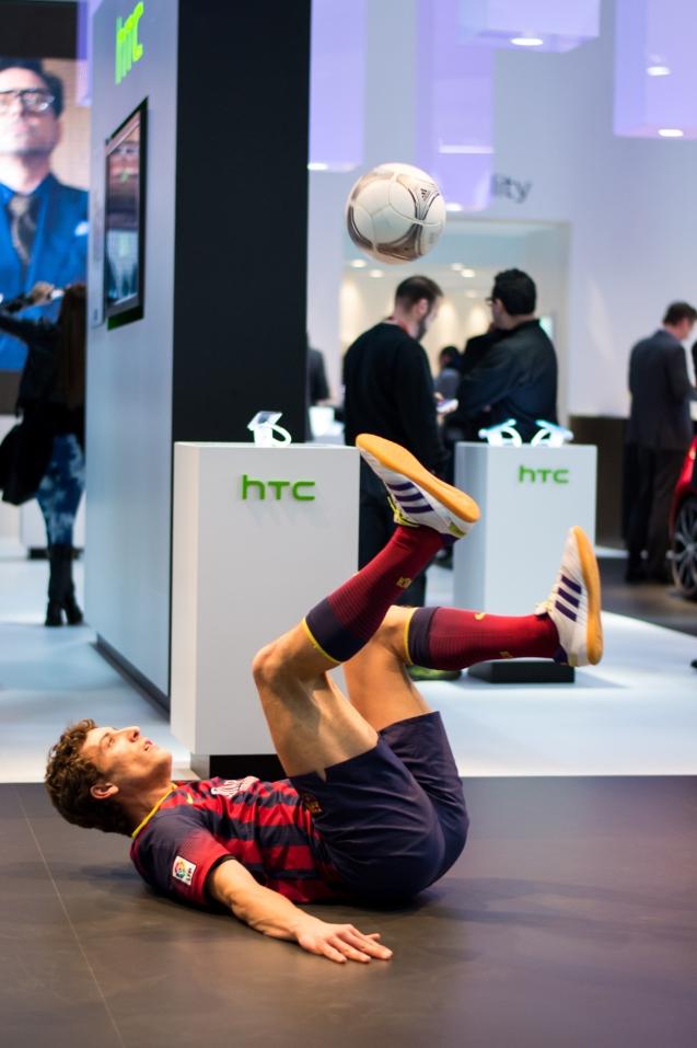 Soccer-tricks-MWC-2014-6