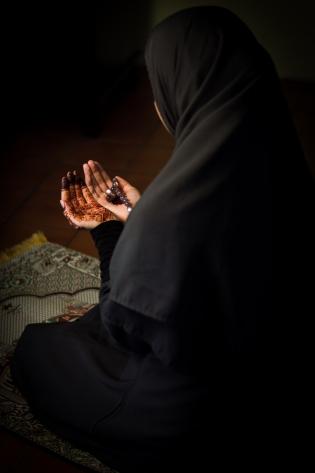 Iman-prayer-10