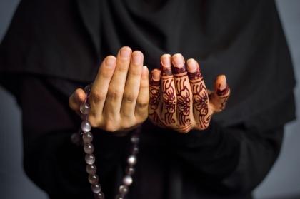 Iman-prayer-11